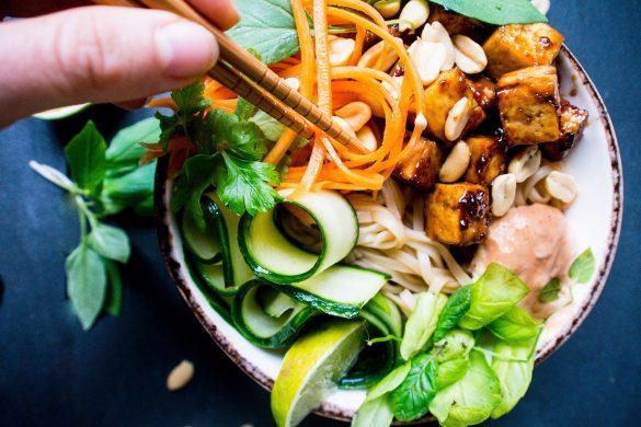Vietnamlainen Banh mi tofukulho (V, GF)