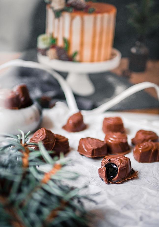 Salmiakki-suklaakonvehdit