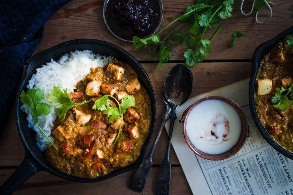 Intialainen tofucurry (V, GF)