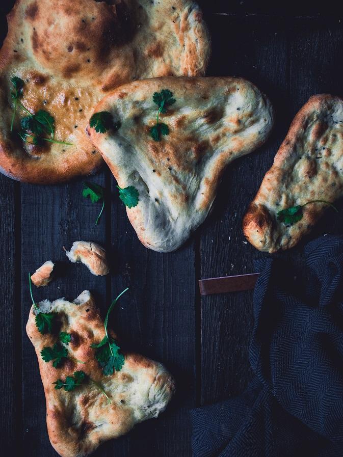 Itse tehdyt naan-leivät