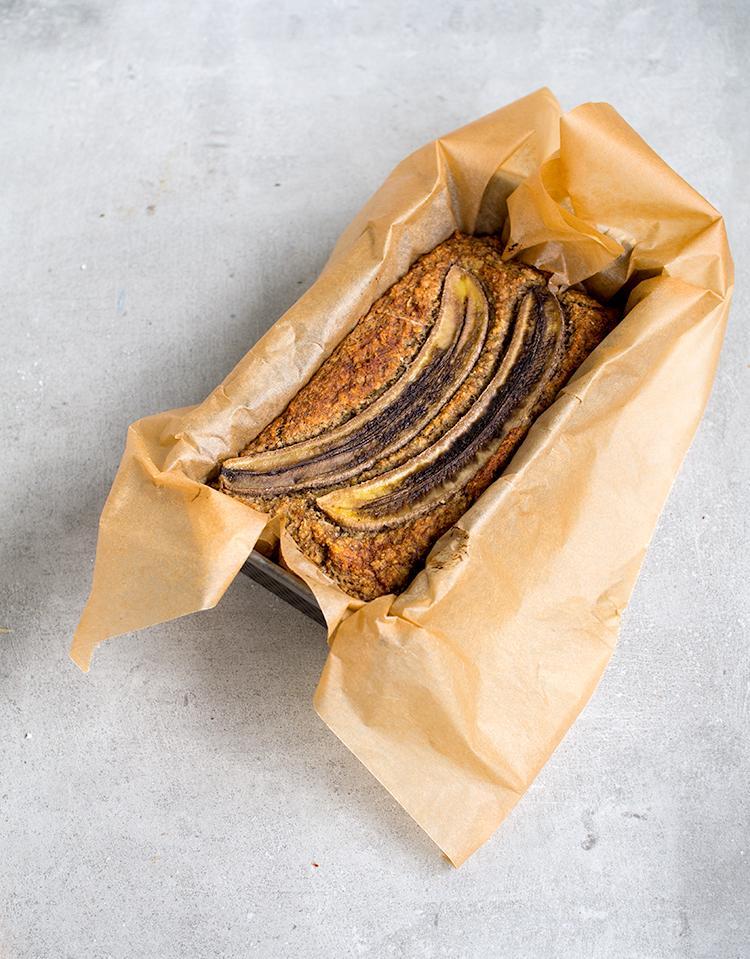 Banaanikakku. Vegaani. Sokeriton