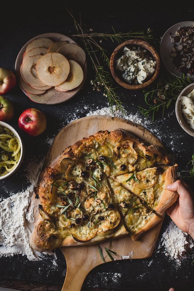 Omena-gorgonzolapitsa