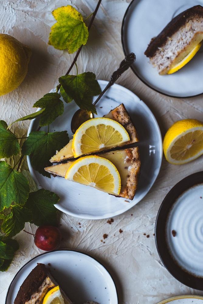 Kinuski-sitruunajuustokakku. Vegaaninen