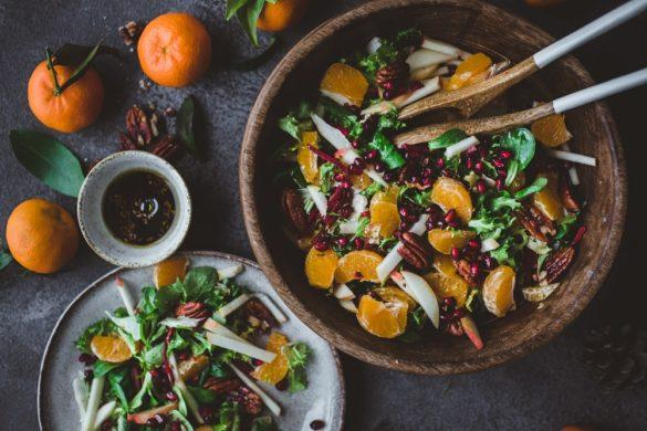 Mandariini-pekaanipähkinäsalaatti