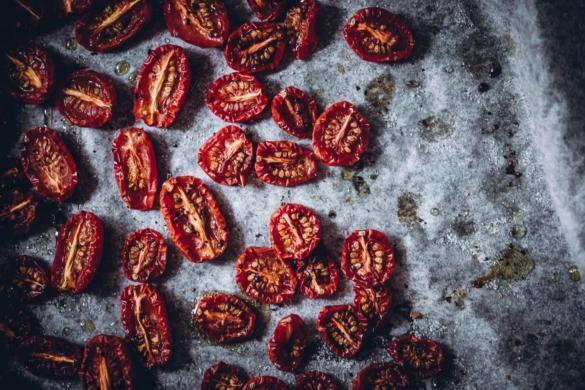 Uunikuivatut tomaatit (V, GF)