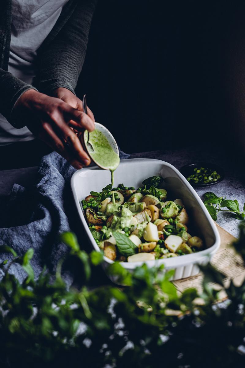 Wasabilla maustettu perunasalaatti. Vegaaninen