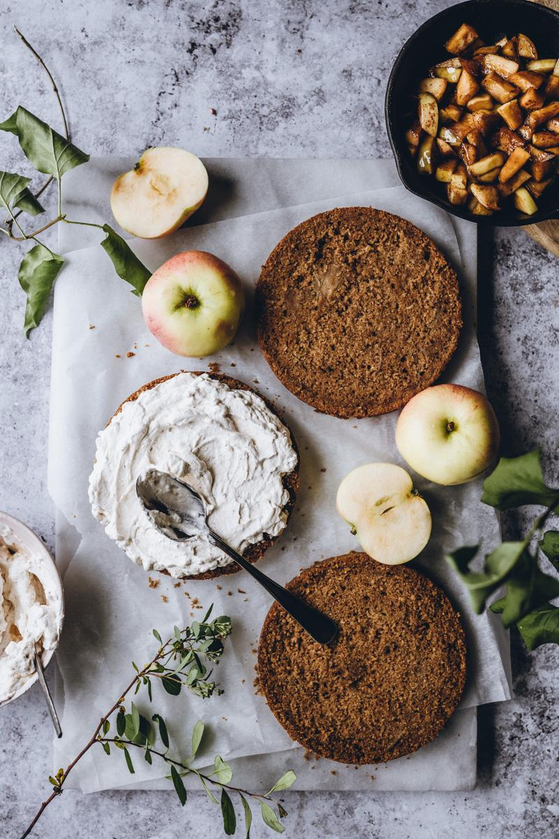Omenatäytekakku. Vegaaninen
