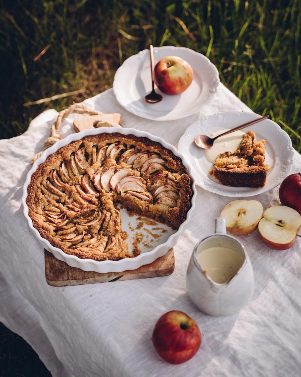 Kaura-omenapiirakka. Vegaaninen