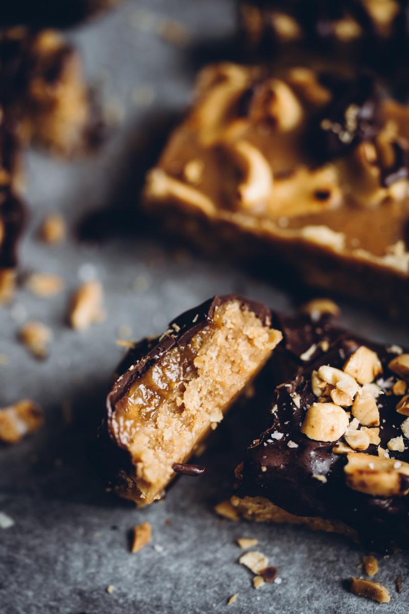 Snickersin makuiset proteiinipatukat. Vegaaninen